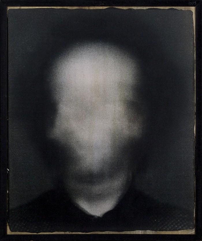 Giorgio Ciam, Autoritratto, 1975, fotografia a colori, 50 x 42 cm, Collezione privata, Rivoli, Courtesy Archivio Giorgio Ciam