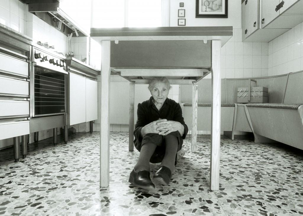 Marcello Maloberti Casa, 1993 fotografia in b/n , cm 50 × 70, ed. 2/3+1AP